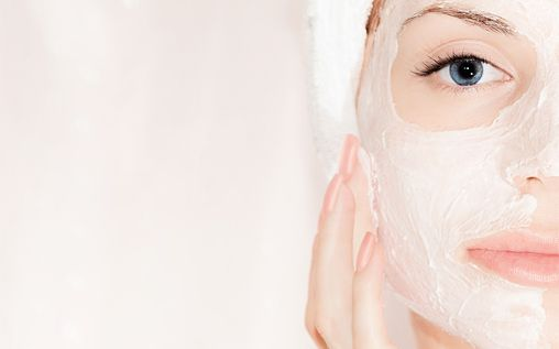 A lot of individuals are very conscious about their face. It is a part everyone sees, hence it has to look presentable. Scrubs help to remove dead skin and help in cleansing your pores. Here are a few ways in which you can make facial scrubs rather than buying facial cleansers that contain a lotRead More