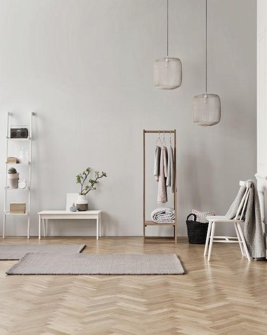 beigen en bruin - visgraat vloer; zie ook: http://dutchdesignflooring.nl/houten-vloeren/visgraat-vloeren-exclusive/