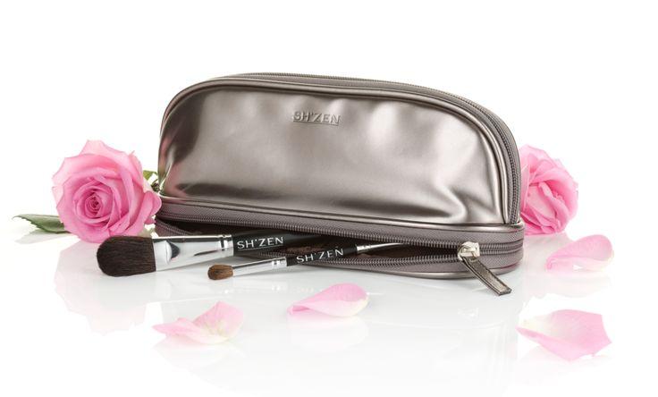 Sh'Zen make-up bag