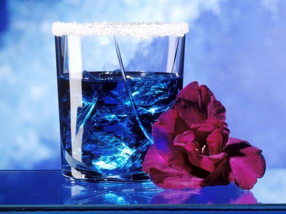 Cocktail Blaue Lagune ist ein Rezept mit frischen Zutaten aus der Kategorie Cocktail. Probieren Sie dieses und weitere Rezepte von EAT SMARTER!