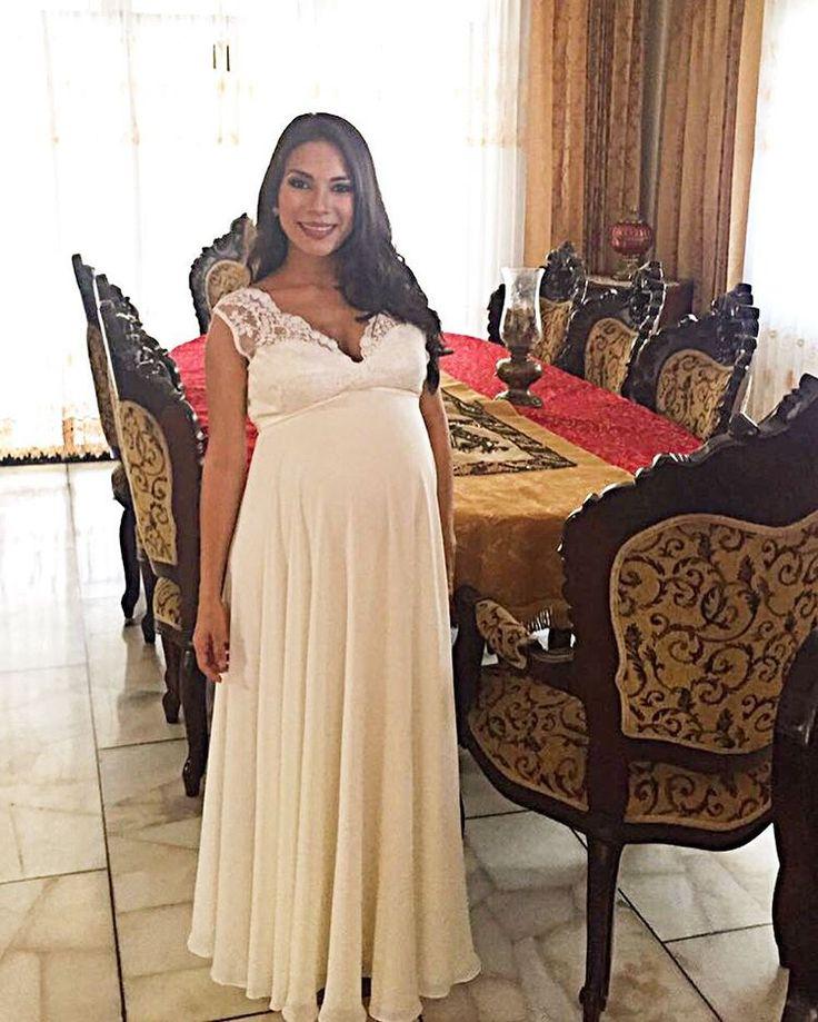 """88 Me gusta, 1 comentarios - Yadira  Coronado (@yadiracoronadodesigner) en Instagram: """"Hermosa en su graduación luce @karenespinozac  Para trajes a medida atendemos previa cita..…"""""""