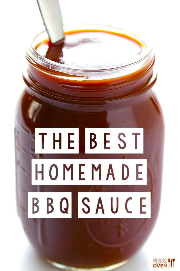 Homemade BBQ Sauce Recipe -- super easy to make, and naturally sweetened! | gimmesomeoven.com