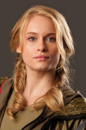 Love Glimmer from the first Hunger Games movie trying out her amazing braids