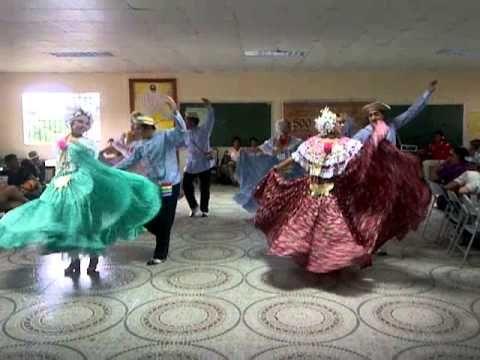 cumbia veraguense y cumbia chorrerana baile tipico de panama - YouTube
