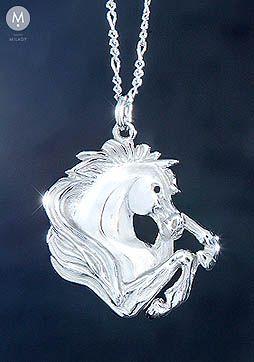 PŘÍVĚŠKY NA KRK STŘÍBRNÉ | Stříbrné přívěšky | Přívěšek vzpínající hlava koně - Stříbro 925/1000 | MILADY šperky, jezdecké a koně