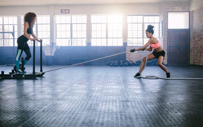 Hämta bilder Fitness, gym, rep, utbildning, sport, bantning, kvinnor i gymmet