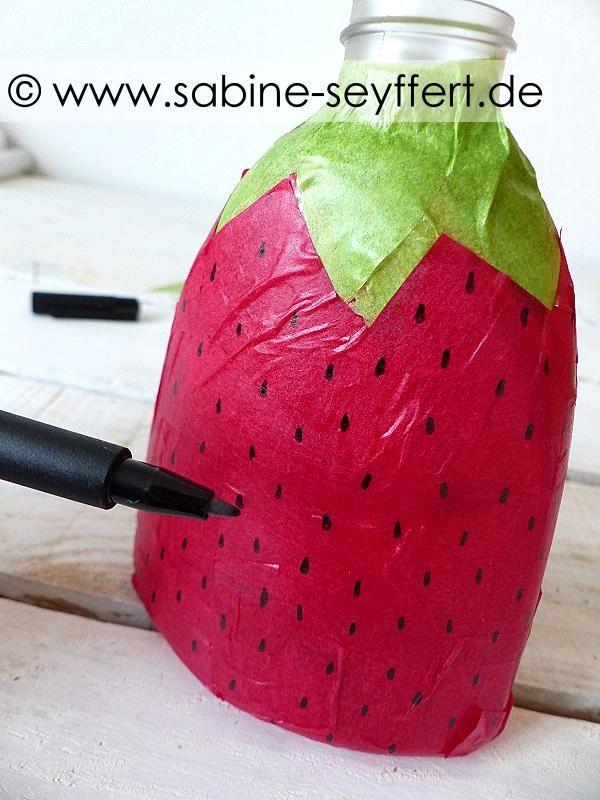DIY Basteln mit Kindern: Wir basteln Laternen – leuchtende Erdbeerlaterne für St. Martin