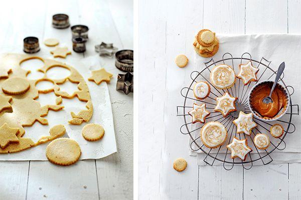 Koekjes, Dosia is er dol op en bakt ze in allerlei soorten en maten. Deze exemplaren zijn 100% delicious. en perfect voor kerst. Deze sesam-koffiekoekjes zijn niet alleen mooi voor in de boom, ze smaken heerlijk door het nootachtige van de sesam dat perfect samengaat met de smaak van koffie. gemarmerdesesam-koffiekoekjes Deze koekjes hebben doorhetsesamzaad … (Lees verder…)