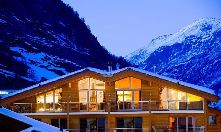 Chalet Lambert Is A Luxury Ski Lodge And One Of Zermatts Best 5 Star Fully Catered Chalets