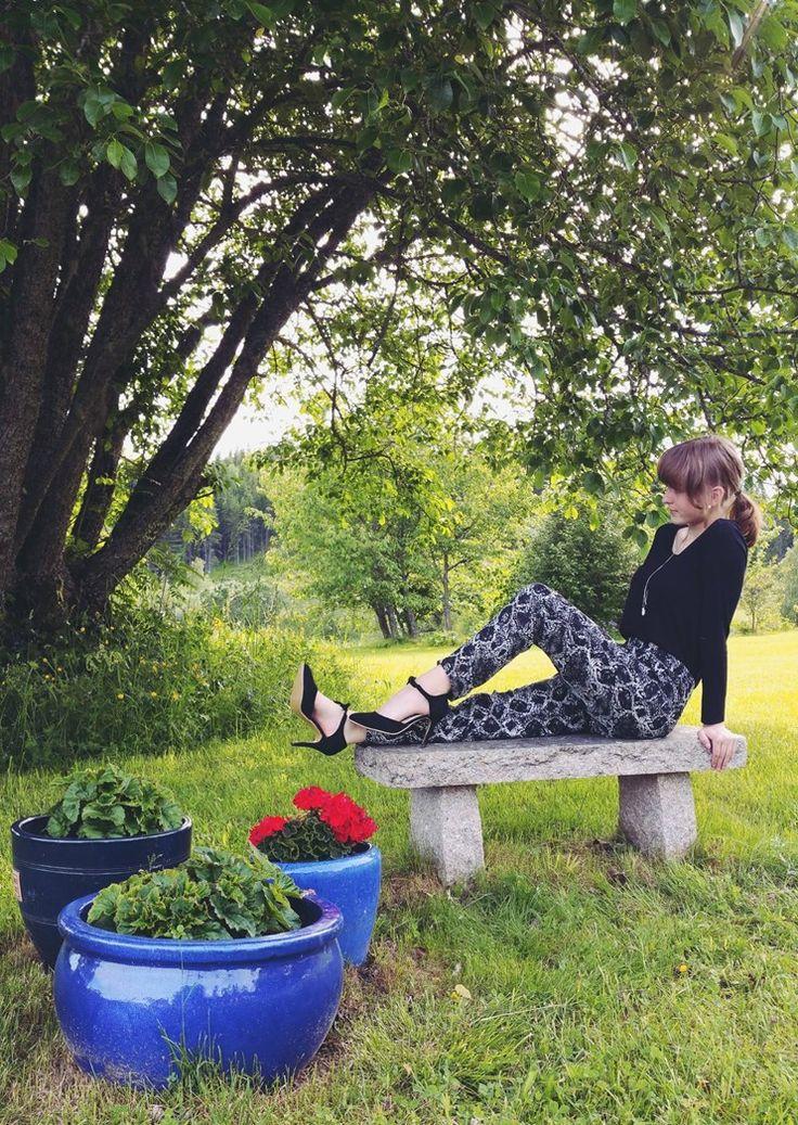Hei og velkommen til min blogg!<br>Mitt navn er Hanna Thingbø.<br>Jeg er 15 år og kristen.<br>Jeg er opptatt av mote, musikk, utdanning, helse, mat osv.... <br>Vil du bli mer kjent med meg, så følg med her på bloggen og/eller på sosiale medier.<br><br>Kontakt meg: <br>hannathing@gmail.com