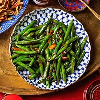 Stir-Fried Green Beans with Garlic & Oyster Sauce EveryDay with Rachael Ray, Jan/Feb 2015
