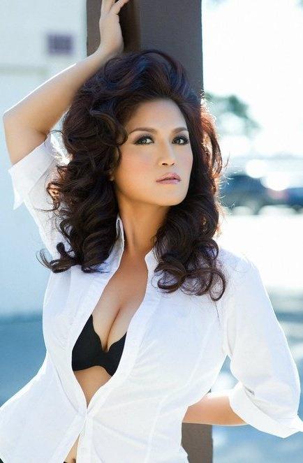 Lam Thuy Van Vietnamese Models Actresses Singers