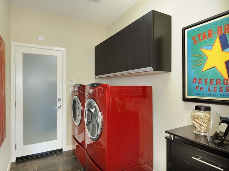 15 Bold Ways to Decorate With Candy Apple Red. 205 best Color Vs  Color images on Pinterest   Living spaces  Blue
