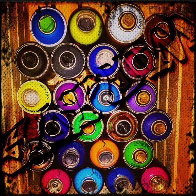 #artist #fineart #nailart #inspired #satum #artoftheday #creative #instaart #music #fitness #model #wynwood #wanderlust #streetsign #childhoodmemories #telephone #igtedooro #iglondon #writingsonthewall #timeundermidas #telephonebooth #paint #can #spraypaint #love