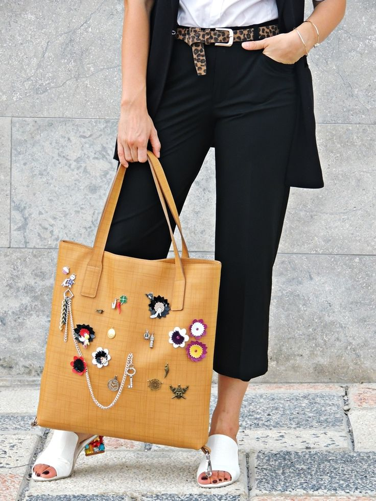 RENA tinuta toamna - style by Fashion blogger Daniela Macsim #RENA #bags #genti #leatherdesign #outfit