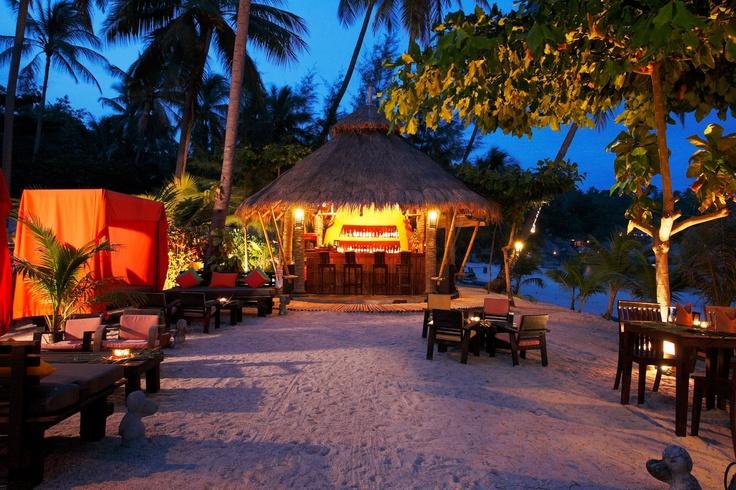 Tropix beach bar at Pariya Resort Villas, Haad Yuan, Koh