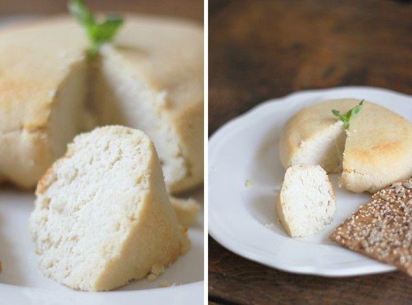 Feta Végétale : 145 g d'amandes en poudre-60 ml de jus de citron-125 g d'eau-3 cuillères à soupe d'huile d'olive-1 cc 1/4 de sel-2 gousses d'ail pressées. Mixer, poser dans une mousseline et laisser égoutter 12h au frigo.