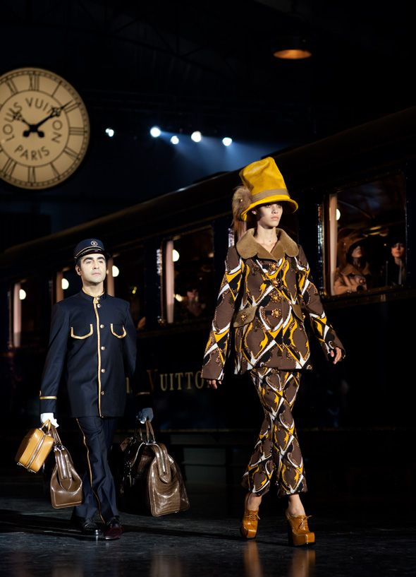 dramatic LV fall 2012, with real vintage train and porter: Louis Vuitton, Fall Winter 2012, Crazy Hats, Lv Fall, Fall 2012, Fallwint 2012, Winter 2012, Vuitton Fall, Fall Winter