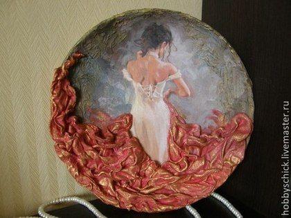 Люди, ручной работы. Ярмарка Мастеров - ручная работа Тарелки-панно Создавая женщину. Керамика. Объёмное декорирование.. Handmade.