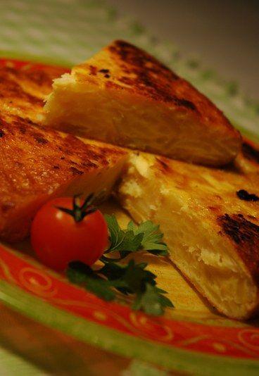 La #tortilla di patate è una specie di frittata che viene consumata spessissimo in #Spagna #ricetta