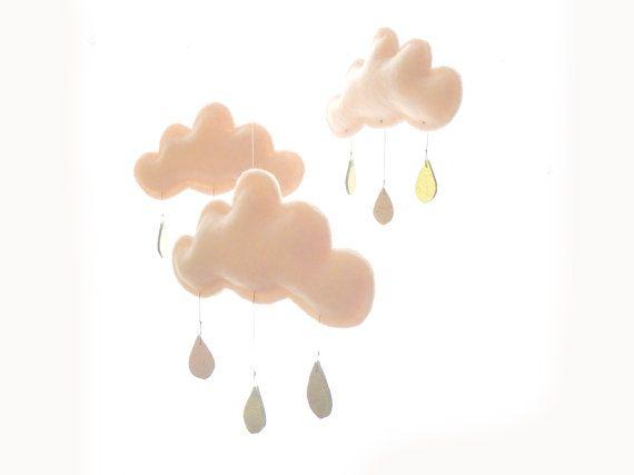 Mobile MAY nuages pêche et gouttes de pluie or par leptitpapillon, $62.00