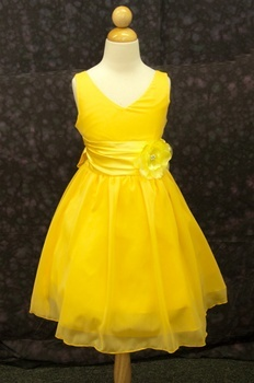 1000  ideas about Yellow Flower Girl Dresses on Pinterest | Flower ...