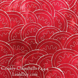 This super cute Crinkly Clamshells design will be very easy to free motion quilt in any style of quilt! Learn how to quilt it in a free video tutorial at: http://www.freemotionquilting.blogspot.com/2015/07/free-motion-quilt-crinkly-clamshells-444.html