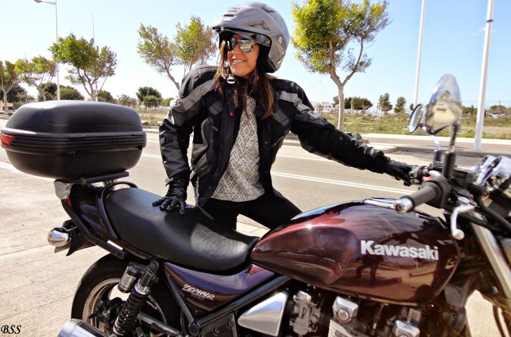 Let´s go!  Señoretta @jumper #outfit #style #womanstyle #fashion #fashiontips #styletips #motorbike #fashionwoman #fashionblogger #blogger #streetstyle #streetwear #imwearing #whattowear #pic #trend #trendy #spring2015 #collection #girl