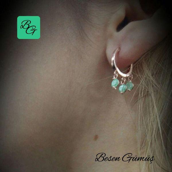 Yeşil Üç Taşlı Sallantılı Küçük Shakira Küpe Fiyat : 60.00 TL  SİPARİŞ için www.besengumus.com www.besensilver.com  İLETİŞİM için  Whatsapp : 0 544 641 89 77 Mağaza : 0 262 331 01 70  Maden: 925 Ayar Gümüş Taş: Yeşil Taş Kaplama: Rose  Besen Gümüş  #besen #gümüş #takı #aksesuar #yeşil #taşlı #sallantılı #küçük #shakira #küpe #kadın #izmit #kocaeli #istanbul #besengumus #besensilver #tasarım #moda #onlinealışveriş #alışveriş #pinterest #türkiye #turkey