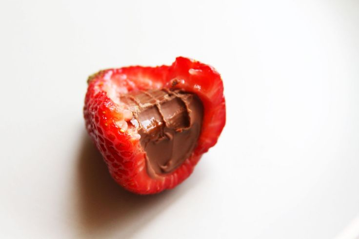 Lilyshop | Chocolate Filled Strawberries: might like these better than chocolate covered strawberries