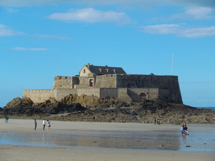 One more lovely sight in St. Malo.