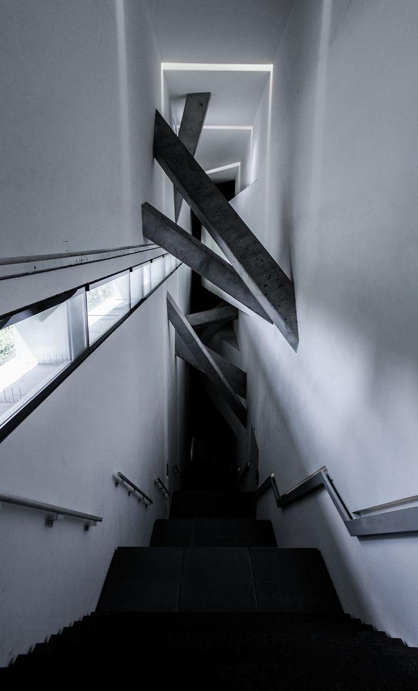 Galeria de Clássicos da Arquitetura: Museu Judaico de Berlim / Daniel Libenskind - 4