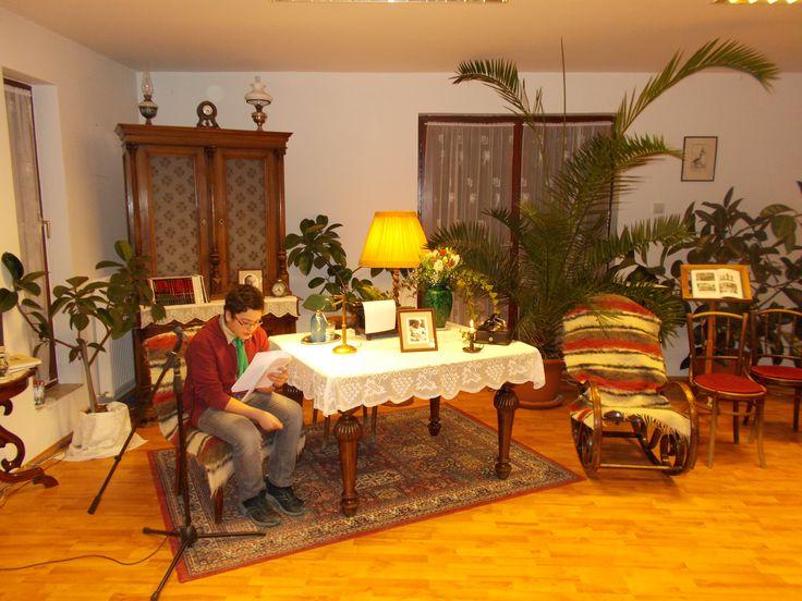 Képek a Wass Albert műveinek felolvasása Pomázon 25 órán át című rendezvényről.  https://plus.google.com/u/0/photos/107499898473721339060/albums/6119084838454800209