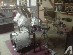 Rack mount Gretch drum set w/extras Price reduced - $550 (Byesville)