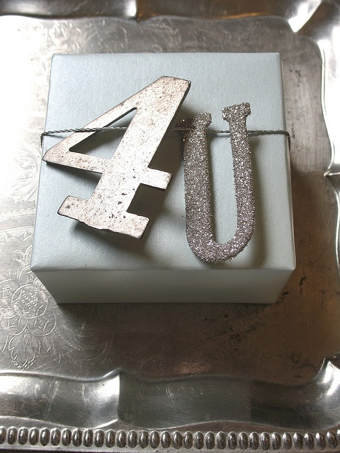 Very cool gift wrapping idea.