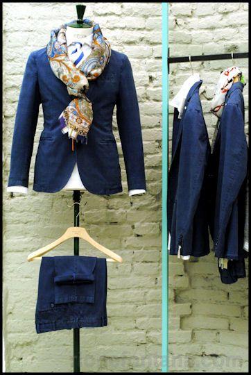 Rione Fontana. Blue Outfit. L.B.M. 1911 suit, Barba shirt, Etro tie and scarf. Mestre (Venice), p.tta Battisti,10.  EShop: http://www.rionefontana.com/en/