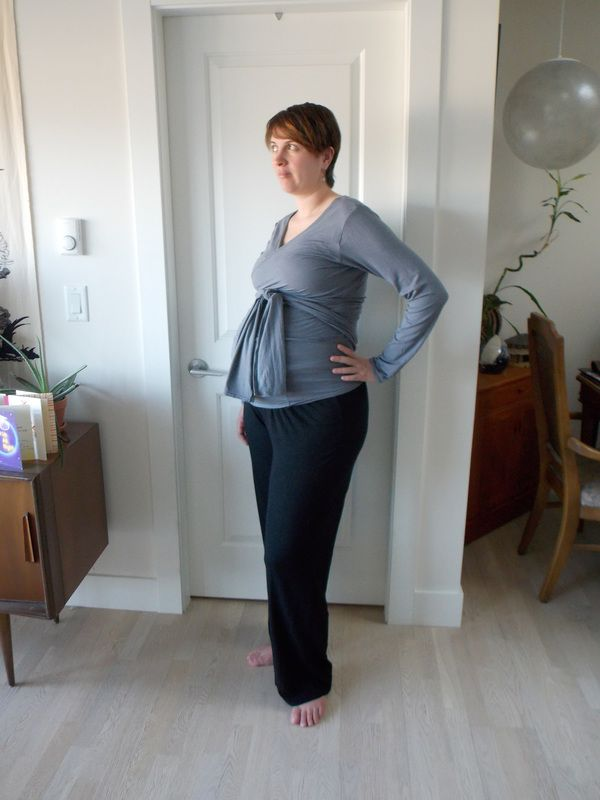 This is the Alissa Maternity Top pattern . I've made this top before a couple times in the cropped version out of sweater knit and love those versions. This was my first and last time making the...