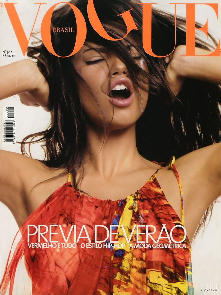 awesome Throwback Thursday | Adriana Lima por Daniel Klajmic para Vogue Brasil Agosto 2003