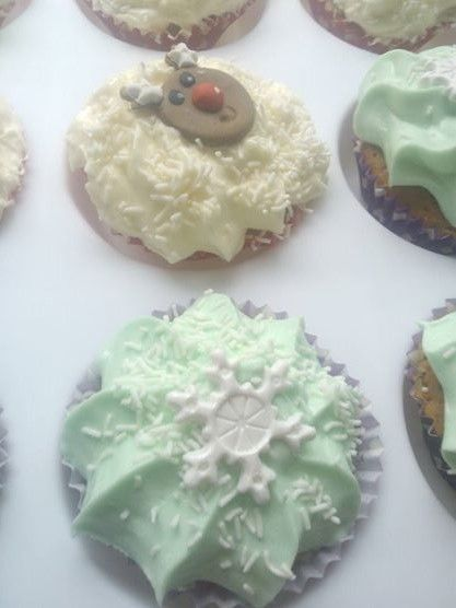 Christmas cupcakes for the class