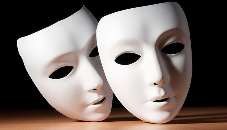 Nie trzeba kończyć szkoły aktorskiej, żeby odgrywać rolę. Jaką rolę? Oto odpowiedź: http://bloggingnetworkonline.com/Polska/dlaczego-wszyscy-tak-naprawde-jestesmy-aktorami/