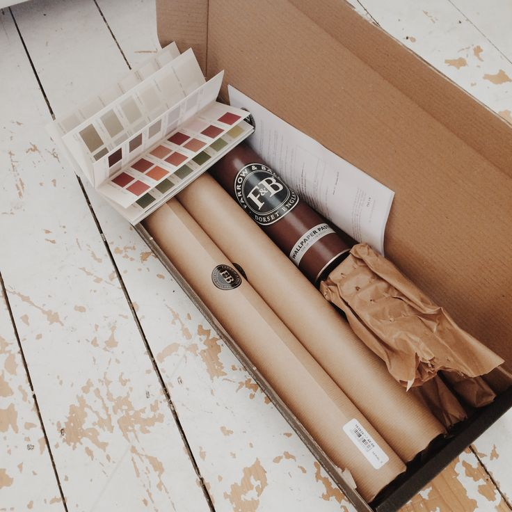 Blogger 'Old Fashioned Susie' was about to make a big change to her room with this Farrow & Ball wallpaper..!