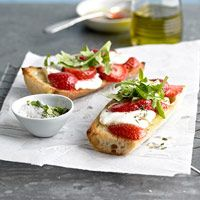 Next person who invites us over for dinner...I will bring this as our appetizer contribution ;)    Strawberry-Goat Cheese Bruschetta