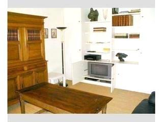 2 Bedroom apartment on Rue Hérold, Les Halles section of Paris