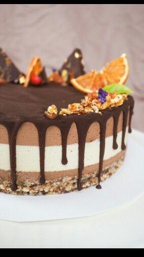 Jaffa Cake #fromthewildcakes #adelaidecakemaker #glutenfree #dairyfree #vegan #refinedsugarfree #cakelove
