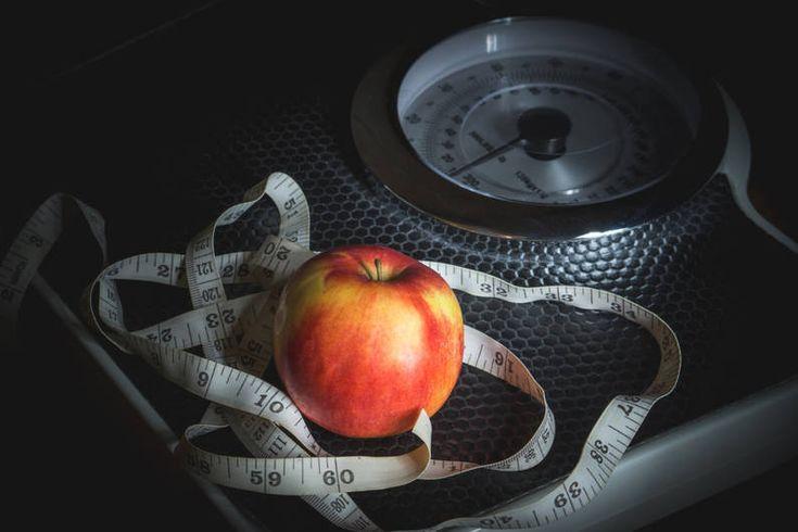 Mit Erklär-Video: Check' hier deinen BMI mit unserem BMI-Rechner! Der Body-Mass-Index verrät, ob dein Gewicht im Vergleich zur Körpergröße okay ist.