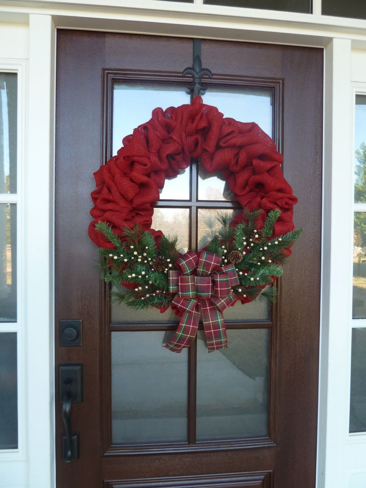 Best 25 red christmas ideas on pinterest red christmas for Burlap wreath with lights