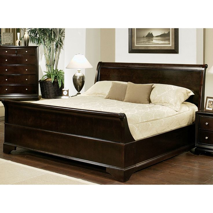 Add A Traditional Look To Your Bedroom With This Wood King Sized Sleigh Bed Sets For