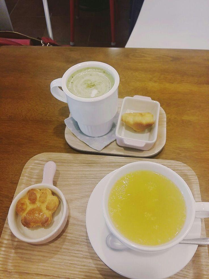 발바닥모양 스콘...♡ 청귤차 카페 인테리어 모든 게 다 뽐뿌 #cafe #tea #scon