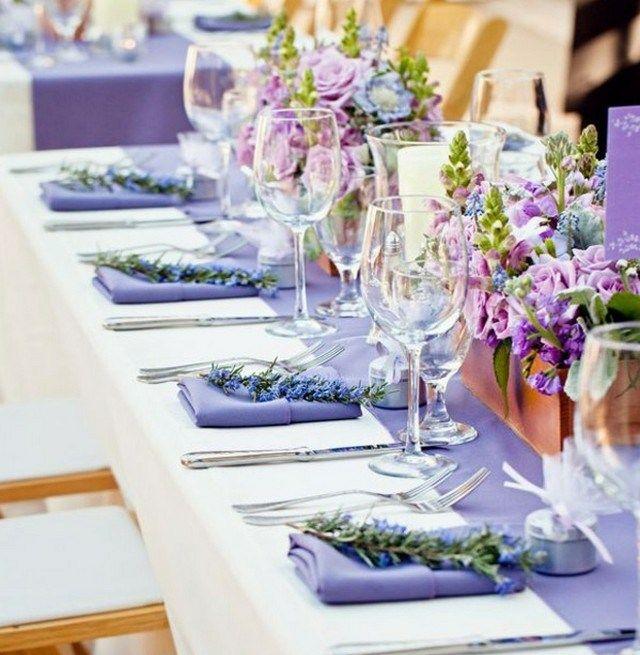 Richtig Tisch Decken: Lavendel Deko -Tisch Servietten Holzkisten Blumengestecke
