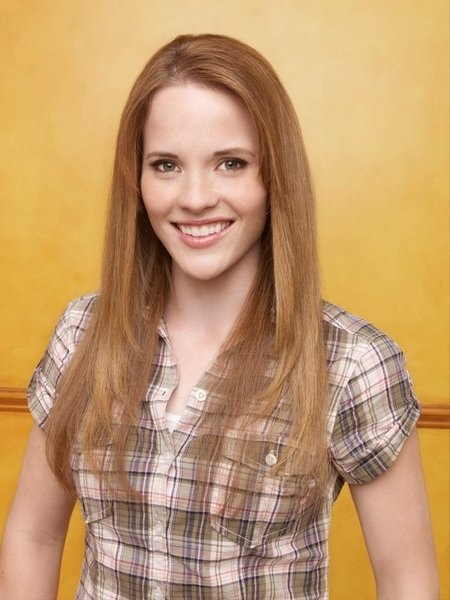 Katie Leclerc in Switched at Birth